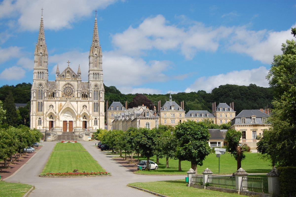 Sanctuaire de Montligeon, La Chapelle-Montligeon, Normandie